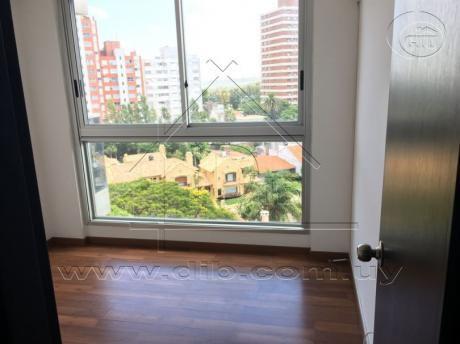 Apartamento Un Dormitorio Alquiler . Metros De La Rambla . Muy Luminoso.