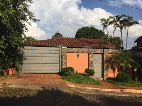 Casa En Barrio Mburucuya