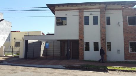 Para Vivienda, Oficina , Alquiler Duplex A Estrenar Las Mercedes, 3 Dorm.