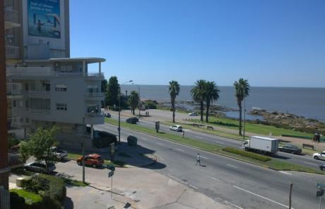 A Pasos Del Mar Y Del Parque, Pocos Años, Impecable.
