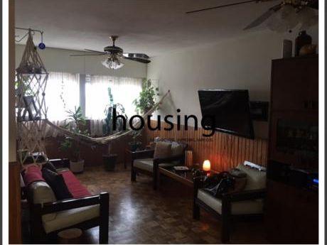 Oportunidad. U$d 70 Mil + Cuotas En La Anv. Apto 3 Dormitorios Al Frente.
