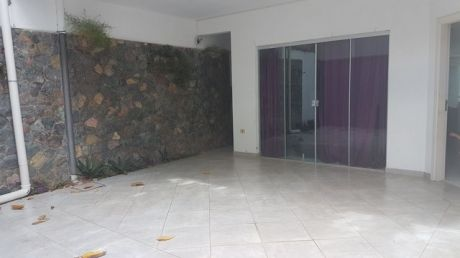Alquilo Hermoso Duplex Con Piscina En Barrio Mburucuya