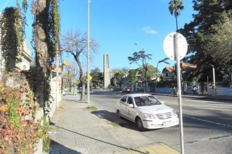 Casa- Av.millan Y Cisplatina