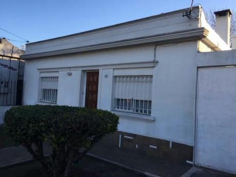 Vendo Casa Mas Terreno A Dos Cuadras De Damaso A. Larrañaga