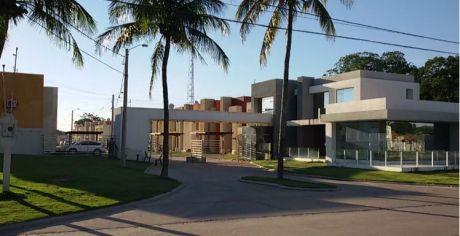 En Venta, Hermosa Casa Familiar, Zona Norte, En Condominio Cerrado
