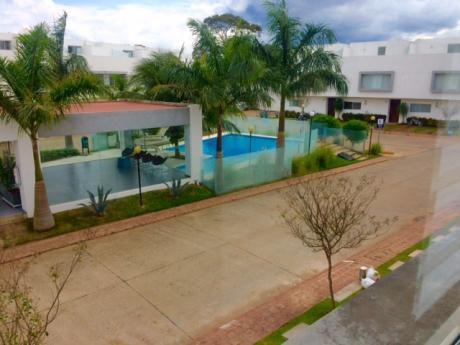 Casa Lado Del Ventura Mall. Condominio Le Parc.