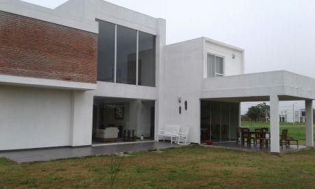 Casa En El Urubó - Condominio Arelis