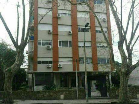 Esplendido Apartamento En Pocitos, A Un Precio Super Acorde!!!