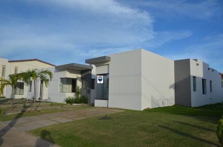 Casa En Venta En El Urubo.