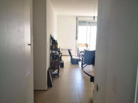 Apartamento Venta Dos Dormitorios Y Garage Al Frente Cordon Sur