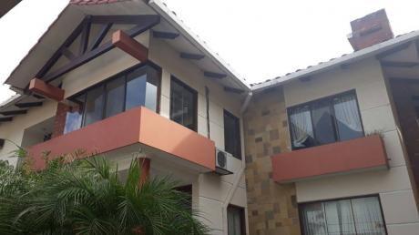 Hermsosa Casa En Santa Cruz ¡en Venta!
