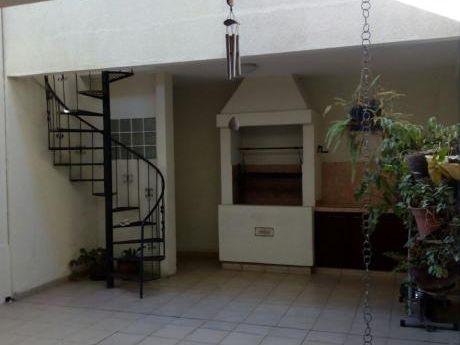 Hermosa Casa En Alquiler En Condominio Cerrado 2do Anillo Madre India!!