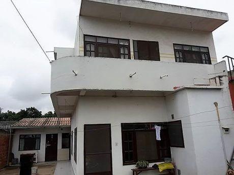 Casa De Dos Plantas En Venta Zona Mts2 200