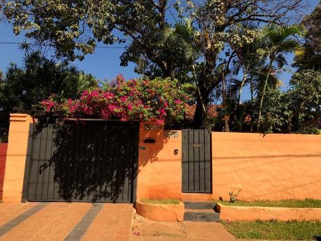 A-024 Casa/oficina - Barrio Mburucuya