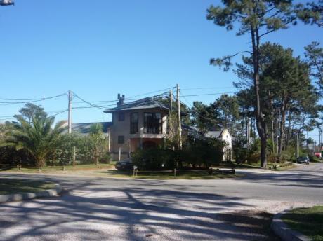 Casa En Zona Residencial Ideal Para Vivir O Descansar En Sus Vacaciones
