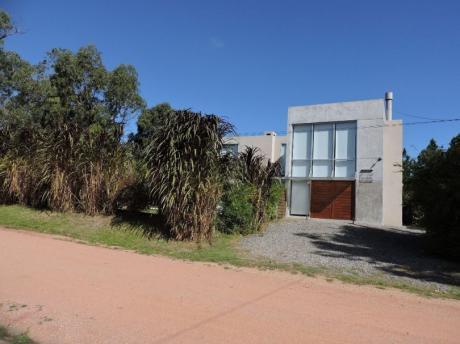 Casa En Alquiler En La Barra Con Piscina