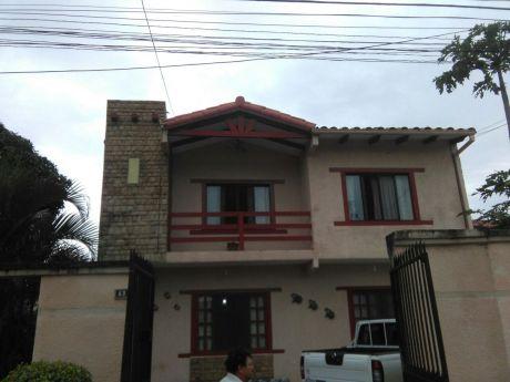 Vendo Casa Por El Canal Isuto Entre 4 Y 5 Anillo
