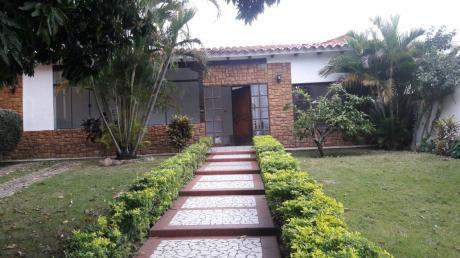 Casa En UbicaciÓn  EstratÉgica,  Zona Comercial, Muy Cerca Del ZoolÖgico