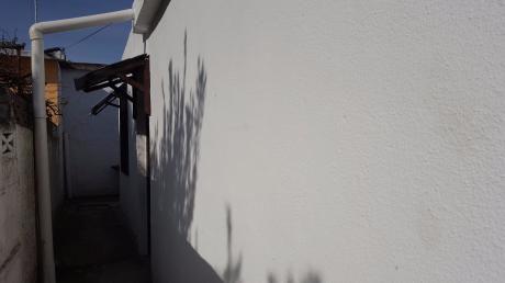 Casa De 1 Dormitorio Al Frente Prolija