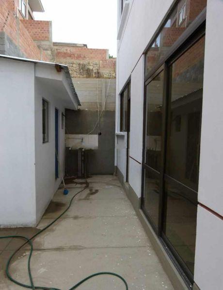 Casa En Venta En Seguencoma La Paz $us 133,000