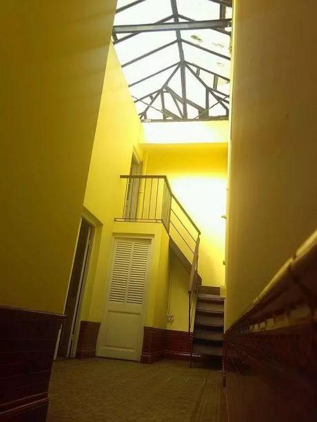Aguada. Casa De época. 5 Dor. 180mts2. 2 Baños. Balcones. Azotea. Parrillero.