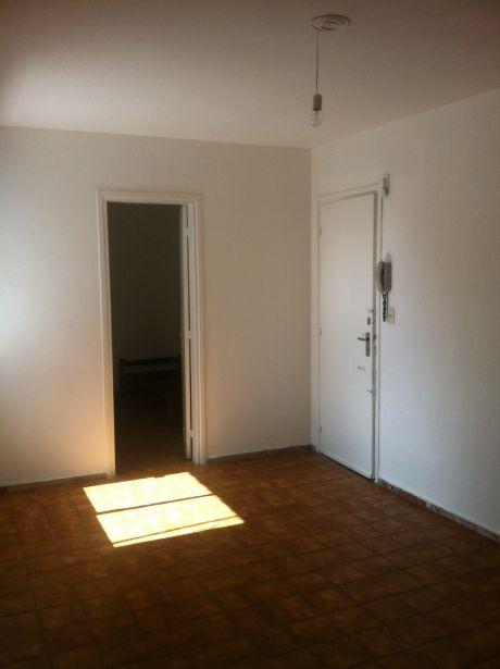 Apartamento Alquiler Dos Dormitorios Palermo Calle Salto