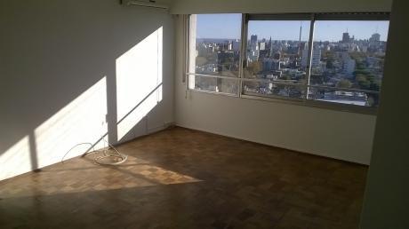 Excelente Apartamento De  2 Dormitorio En Pocitos