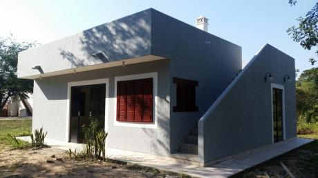 """En Venta Preciosa Casa De 2 Dormitorios En """"condominio Laguna Azul"""""""