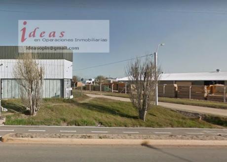 Local Comercial, 200  Metros Cuadrados, Las Piedras, En Alquiler.
