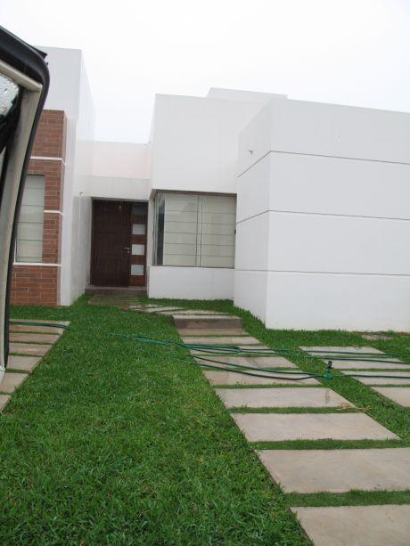 Hermosa Casa En El Urubo, Oferta