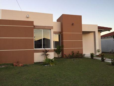 """Casa En Alquiler """"santa Cruz De La Colina"""""""