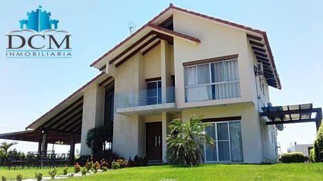 Hermosa Casa En Condominio Bella Vista