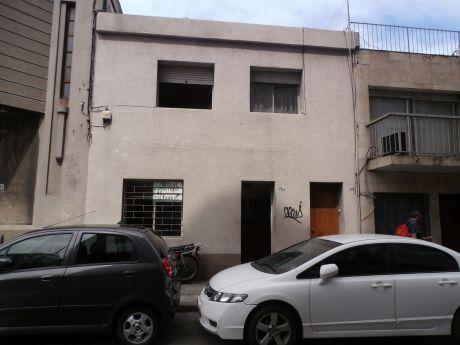 Ref 1839, Amplia Casa En PadrÓn Único A Mts De 18 De Julio
