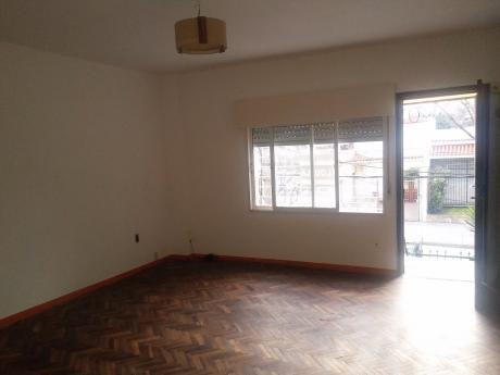 Casa Apartamento En La Blanqueada / Larranaga