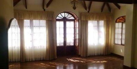 Casa En Venta En Achumani La Paz $us 396,000