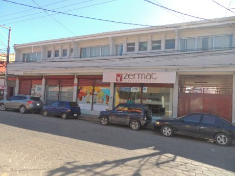 Edificio De Oficinas En La Calle Bolivar