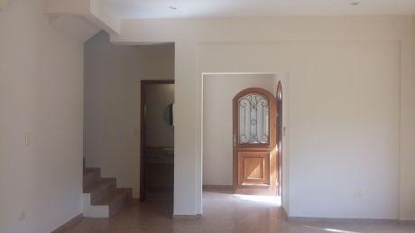 Alquilo Hermosa Casa En Condominio En Barrio Mburucuya