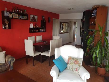 Apartamento Impecable!! 2 Dormitorios, Zona Centro.