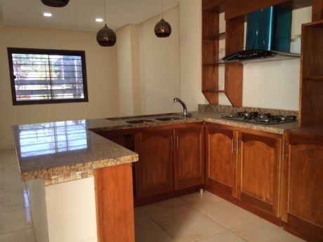 Duplex En Venta Barrio Mburucuya Con 3 Dormitorios