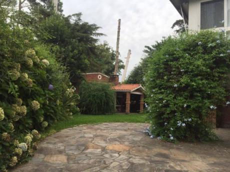 Linda Y Espaciosa Casa Para Alquiler Anual.