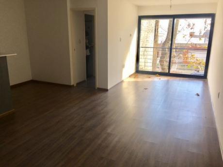 Alquiler Apto. 2 Dormitorios Con Garage Punta Carretas