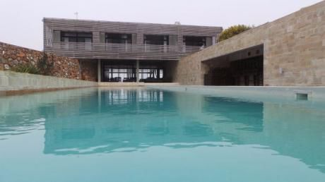Divina Casa Club De Mar (10 Plazas) / José Ignacio