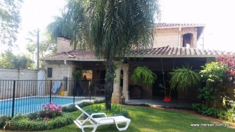 Residencia En Esquina Sobre Bertoni.  B° San Cristobal (271)