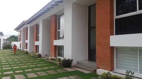 Hermosa Casa En Alquiler A Estrenar En Cond. Costa Dorada.