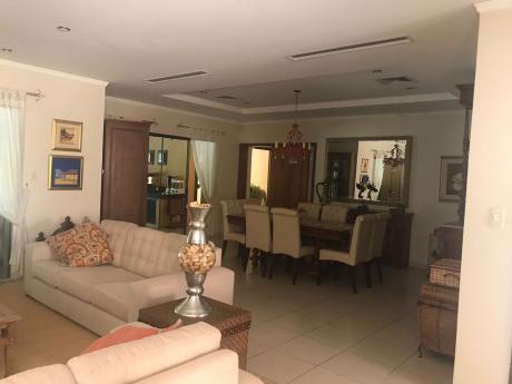 Hermosa Casa En Surubi´i Con 4 Dormitorios (441)