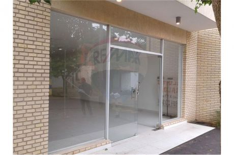 Salon Comercial En Luque - Zona Luisito 78m2