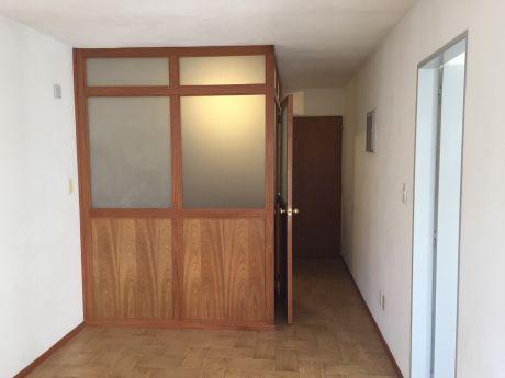 Apartamento De 1 Dorm. Punta Carretas !! Scosería Y 21