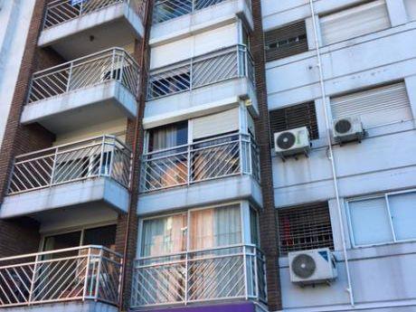 Muy Lindo  Apto De 2 Dormitorios Con Visa A La Bahía