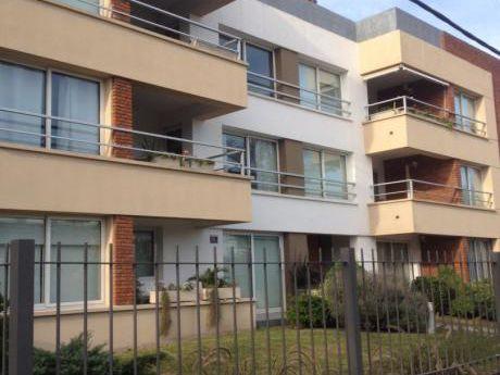 Apartamento 2 Dormitorios Con Cochera En Malvín