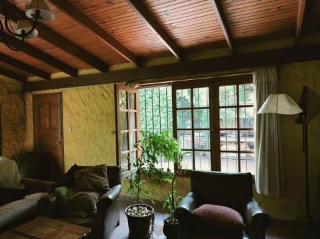 Amplia,estilo Colonial, Mucho Verde, Reparaciones Sencillas